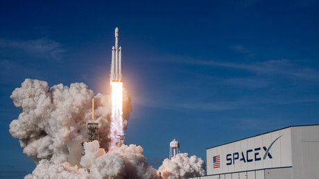 The SpaceX Falcon Heavy rocket lifts off from Cape Canaveral, Florida, on February 6. © Spacex / Global Look Press