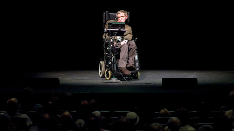 Stephen Hawking discusses theories on the origin of the universe in a talk in Berkeley, California, March 13, 2007 © Kimberly White