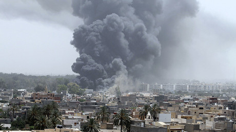 FILE PHOTO: Smoke rises after coalition air strikes in Tripoli, Libya © Reuters