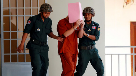 'Pornographic Pub Crawl': Briton given 1yr suspended sentence in Cambodia (GRAPHIC PHOTO)