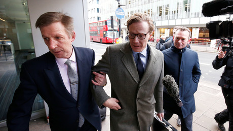 Alexander Nix, CEO of Cambridge Analytica arrives at the offices of Cambridge Analytica in central London, Britain, March 20, 2018. © Henry Nicholls