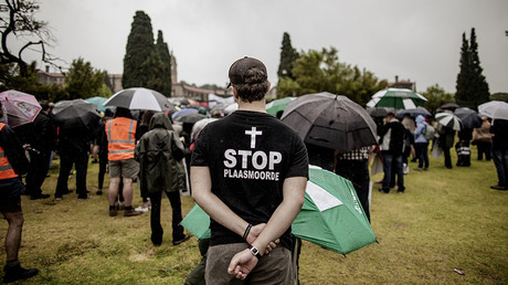 A member of the South African farming community wearing a T-shirt protesting farm murders © Gianluigi Guercia
