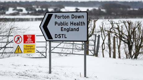 Signs prohibiting access near to the Porton Down Defence Science and Technology Laboratory, near Salisbury, Britain, March 19, 2018. © Peter Nicholls