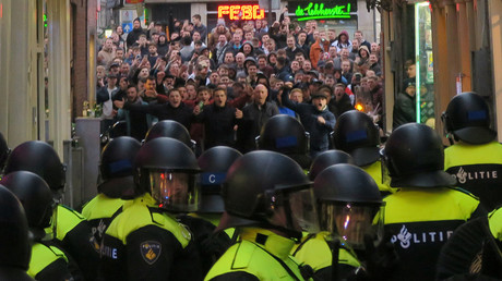 4 England football fans due in court after over 100 arrested for Amsterdam violence (VIDEO)
