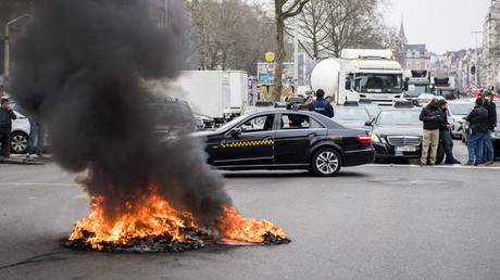 Uber backlash: Brussels taxi drivers bring EU capital to its knees (VIDEOS, PHOTOS)