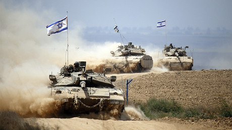 Israeli tanks blast 'terrorist infiltrators' on Gaza border (VIDEO)
