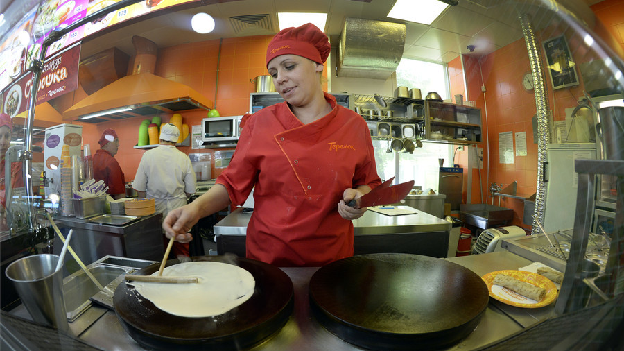 'Are you pro-Putin? Do you hold secret meetings?' - NY watchdog asks Russian pancake chain