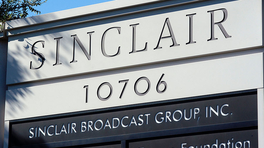 CNN slams Sinclair Broadcasting for making anchors recite 'fake news' script