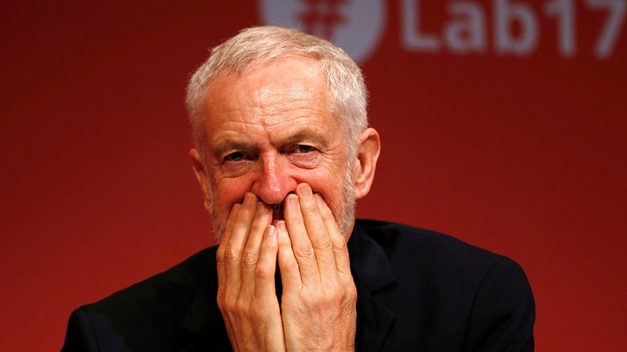 """'Are there """"right"""" Jews and """"wrong"""" Jews?' Twitter rallies around Corbyn after Passover controversy"""