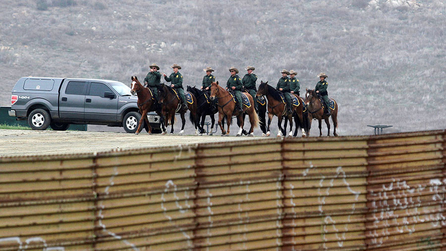 Troops on the border Trump ups ante in immigration battle