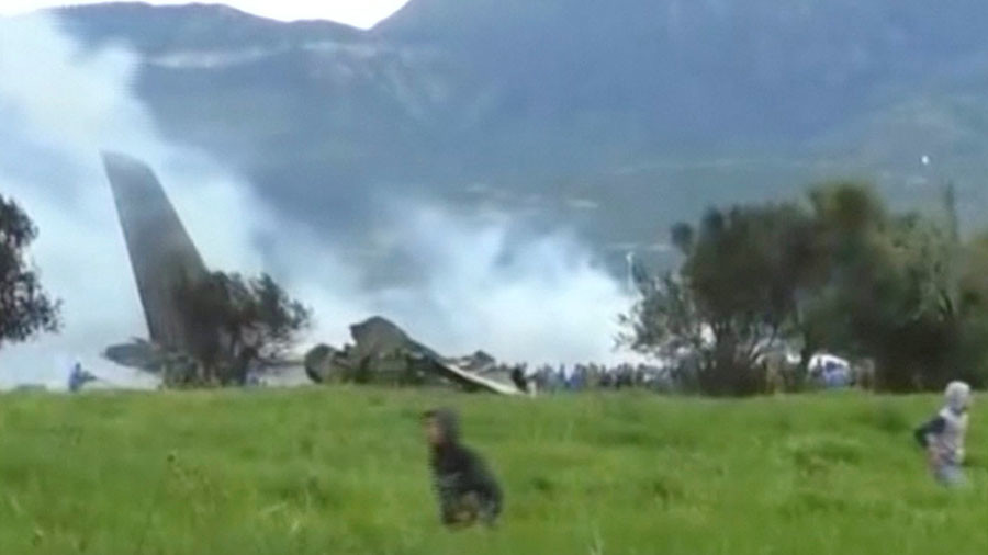 Smoke rises from debris of Algerian plane crash that killed 257 (VIDEO)