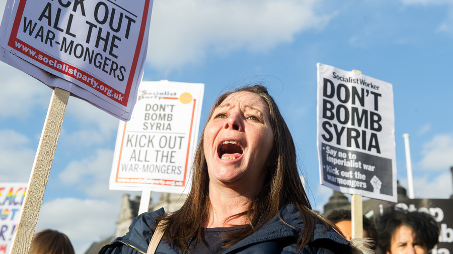 'Huge mistake': Hundreds protest outside Downing Street over British intervention in Syria (VIDEO)