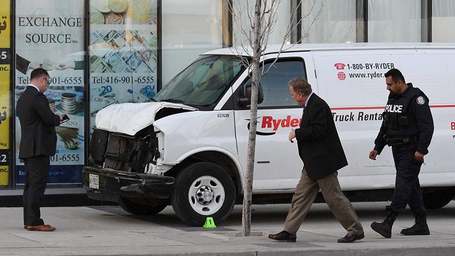 10 dead, 15 injured after van plows into pedestrians in Toronto (PHOTOS, VIDEOS)