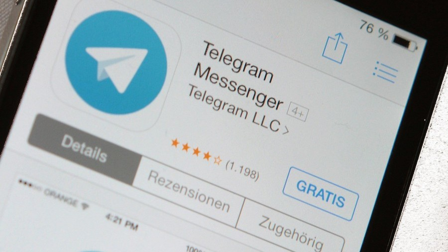 Schoolchildren trick Russian officials into erecting monument to banned internet messenger Telegram