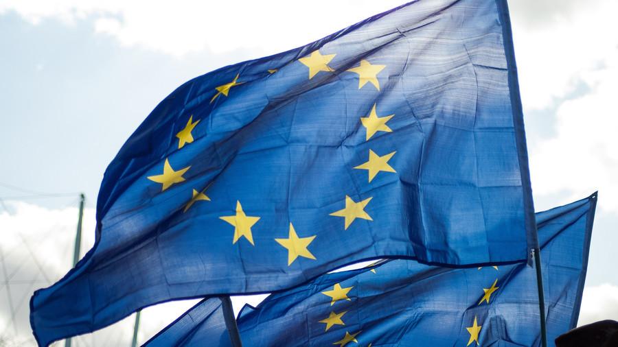 EU gets tough on UK, setting June deadline for agreement on Irish border