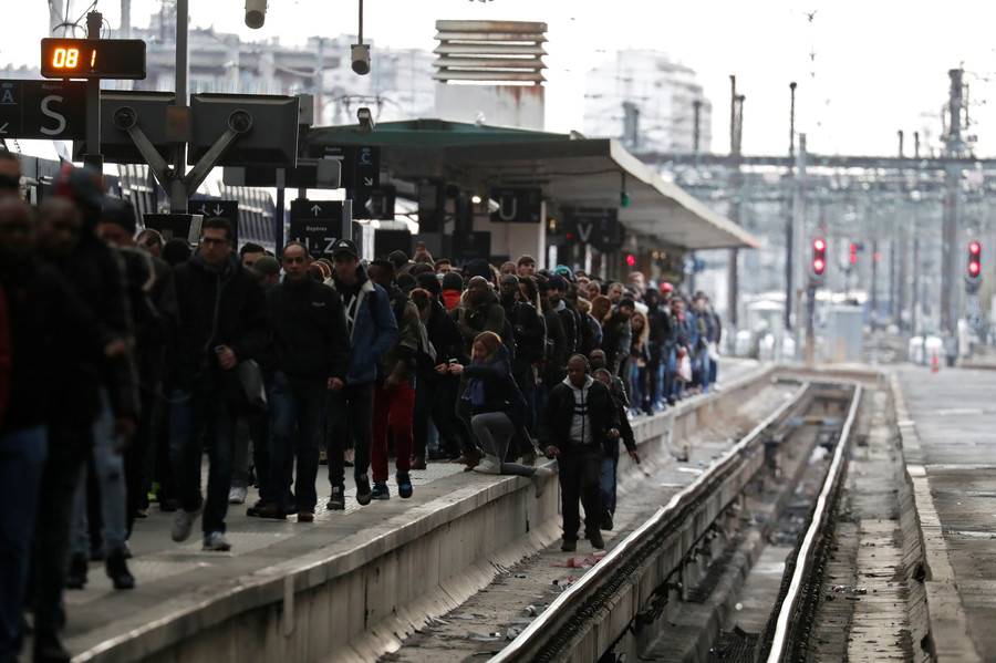 'Black Tuesday': French rail workers begin 1st day of rolling strikes to protest Macron's reforms