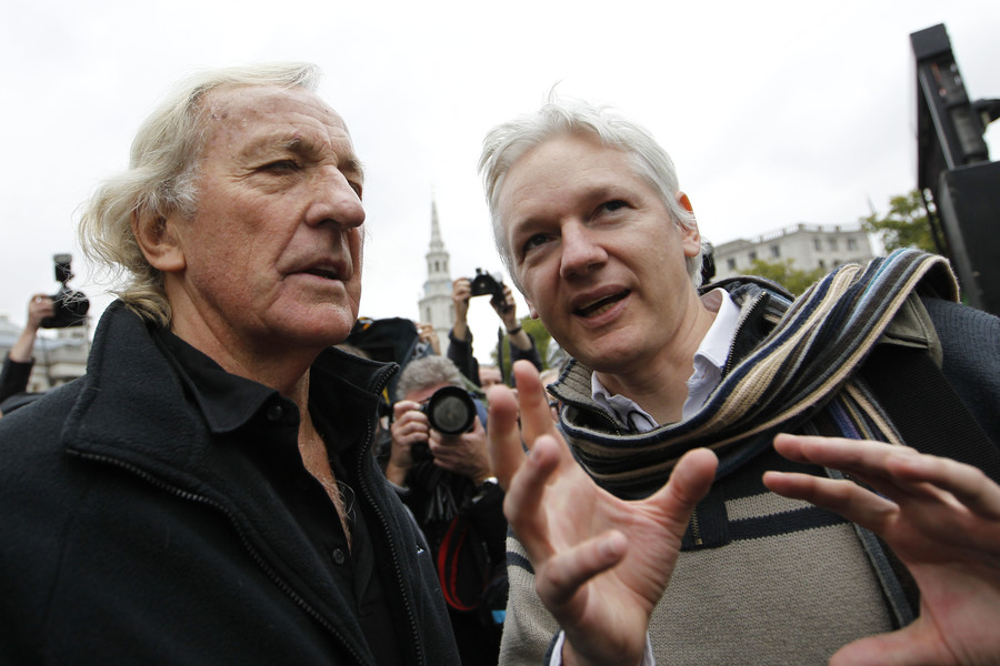 John Pilger warns of war with Russia as West wages 'propaganda' battle (VIDEO)