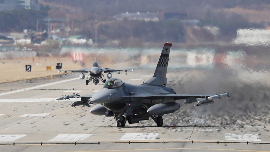 F-16 jet crashes at base outside Las Vegas