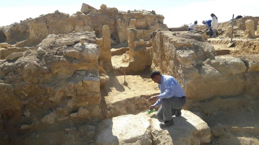 2,200yo Greco-Roman temple uncovered in Egyptian desert
