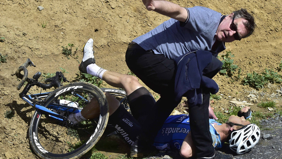 Tributes pour in to young Belgian cyclist who died during race (GRAPHIC IMAGES)
