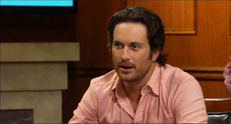 Oliver Hudson on 'Splitting Up Together,' Goldie & Kate, & his Instagram