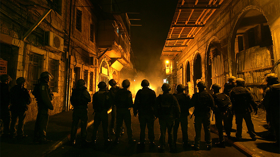 Israeli police use stun grenades against ultra-Orthodox rioters in Jerusalem