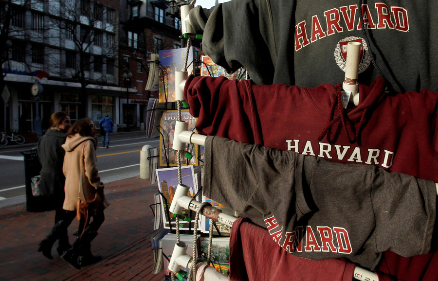 Moment police punch, wrestle naked Harvard student to ground (VIDEO)
