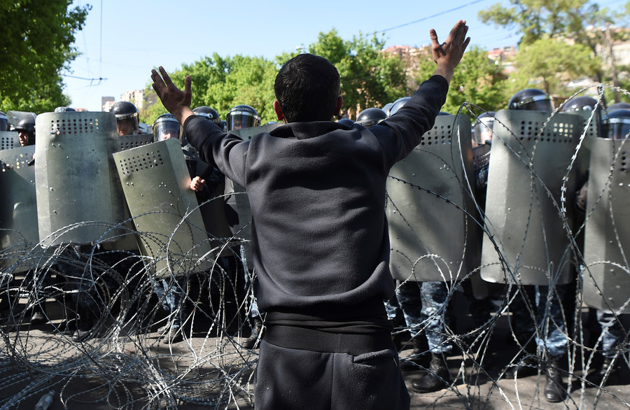 Armenian ex-president Sargsyan elected PM amid mass opposition protests