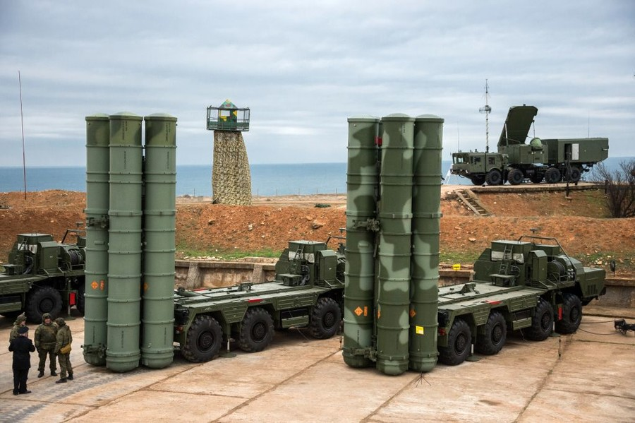 Russia expects to sign S-400 air defense system deal with India this year – official