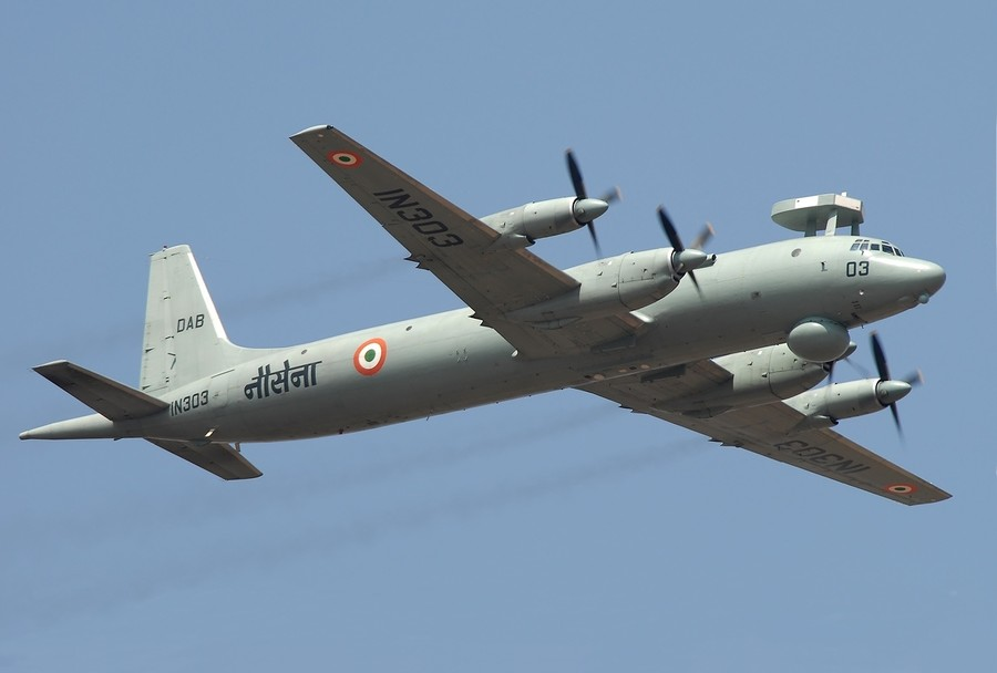 Indian military plane makes emergency landing outside Moscow (VIDEO)