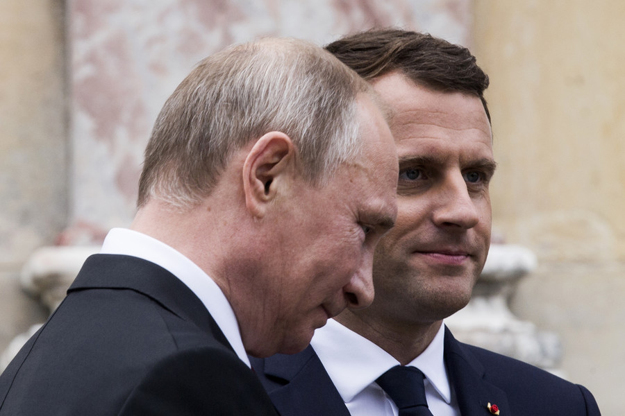 'En ligne avec Poutine!': Macron shares video of phone call with Russian leader about Iran