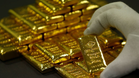 Gold glitters & dollar declines as US-China trade war escalates