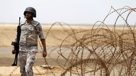 Saudi border guard patrols Saudi Arabia's border with Yemen near Jizan © Faisal Al Nasser