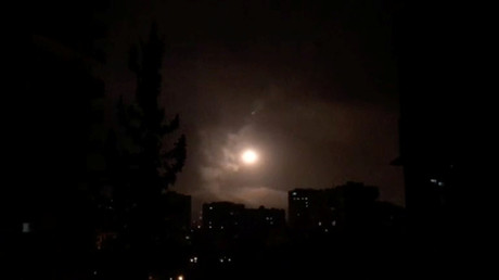 Syria's surface-to-air missiles counter US-led strikes (VIDEO)