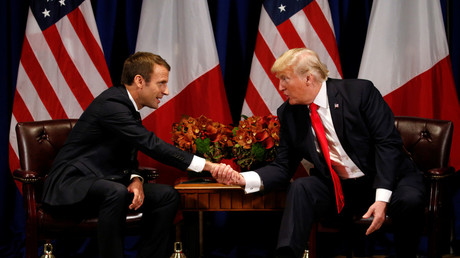 FILE PHOTO: U.S. President Donald Trump meets French President Emmanuel Macron © Kevin Lamarque