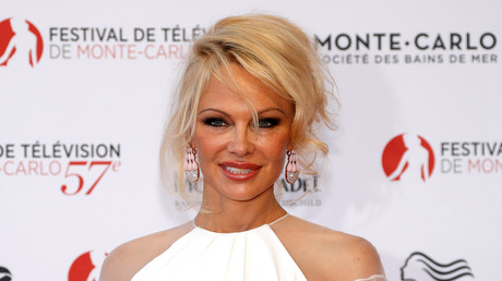'Julian Assange could die in Ecuadorian embassy' – Pamela Anderson