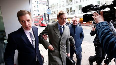 Alexander Nix, CEO of Cambridge Analytica arrives at the offices of Cambridge Analytica in central London, Britain, March 20, 2018. © Henry Nicholls