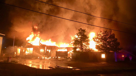 Massive fire engulfs buildings in central New Orleans, 60 firefighters on scene (VIDEO)
