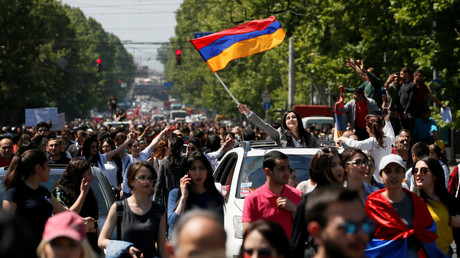 Mass protests grip Armenian capital despite PM Sargsyan's resignation (PHOTOS, VIDEO)