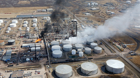 Multiple explosions at Wisconsin oil refinery, 10 confirmed injured (VIDEO)