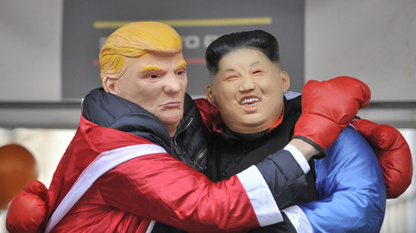 People dressed as Donald Trump, US President, and Kim Jong-Un, North Korean leader. © Stephen Chung