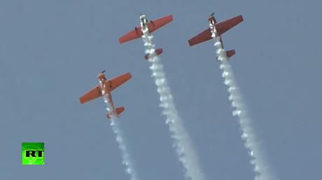 Hair-raising stunts: Aerobatic teams amaze public at Chinese air show (VIDEO)