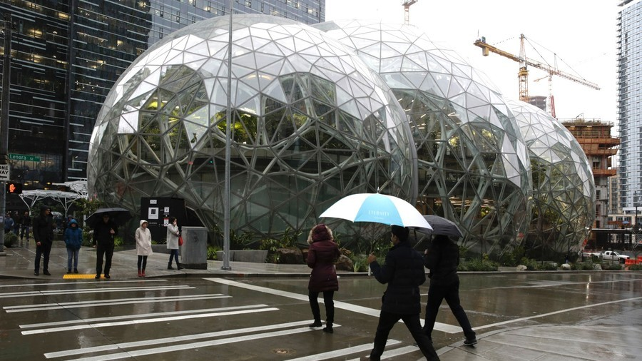 Amazon v Seattle: 7,000 jobs under threat as retail giant protests homeless tax