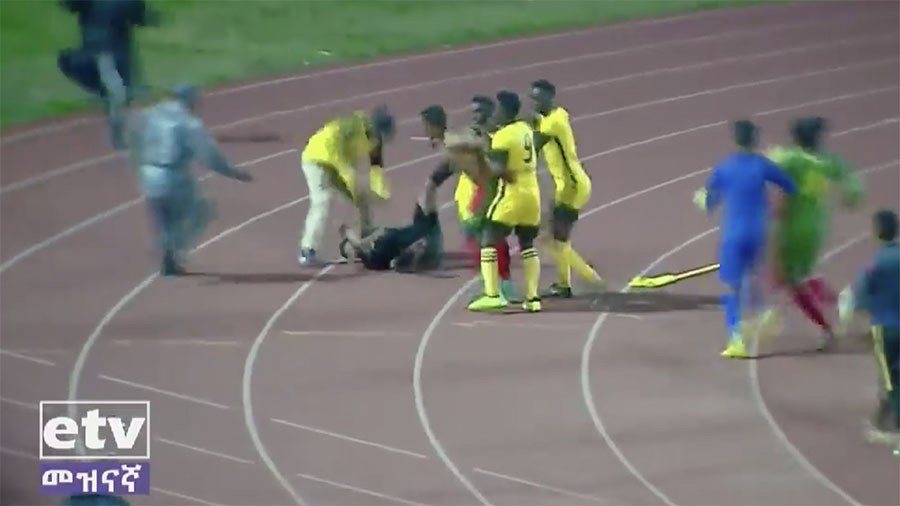 Ethiopian premier league suspended after referee attacked by players and coach (VIDEO)