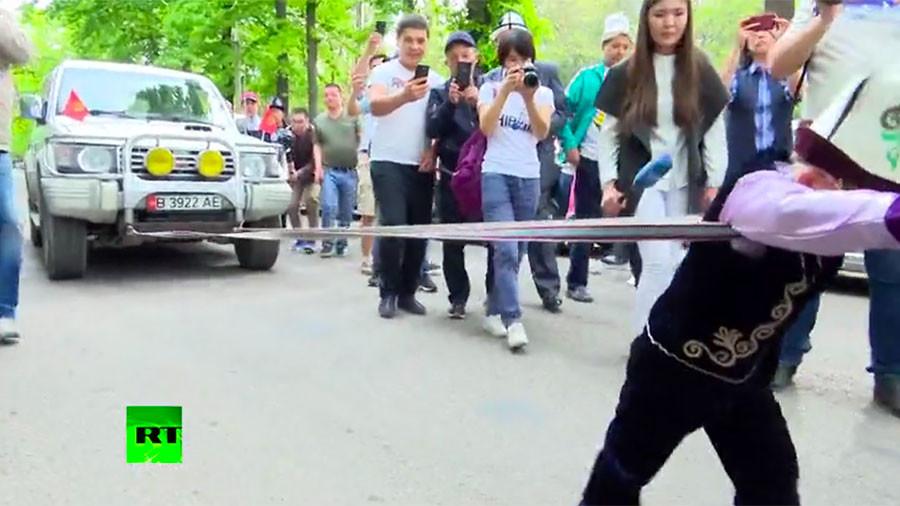 Child's play? 5yo Kyrgyz boy pulls 3-ton truck (VIDEO)
