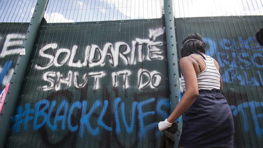 Over 100 Yarl's Wood detainees on hunger strike over 'racist & brutal' immigration system (VIDEO)