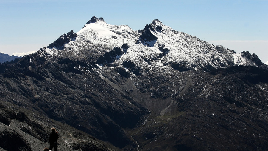 Venezuelans shocked by May whiteout as snow falls on Andes (PHOTOS)