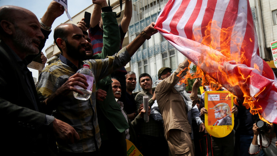 Iranians burn Trump's effigies, US flags at protests against nuclear deal withdrawal (PHOTO, VIDEO)