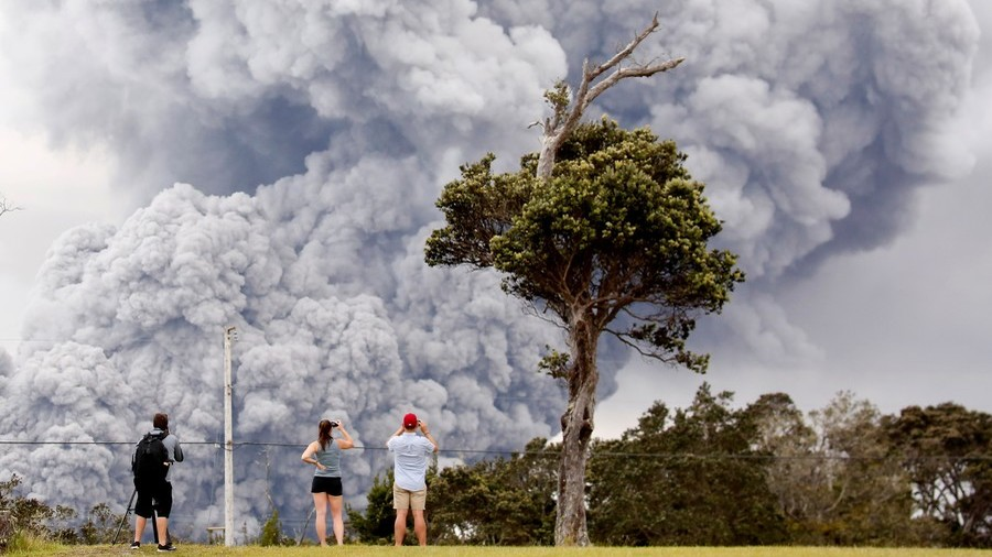 Red alert: Hawaii volcano threatens nearby air traffic (VIDEO, PHOTOS)