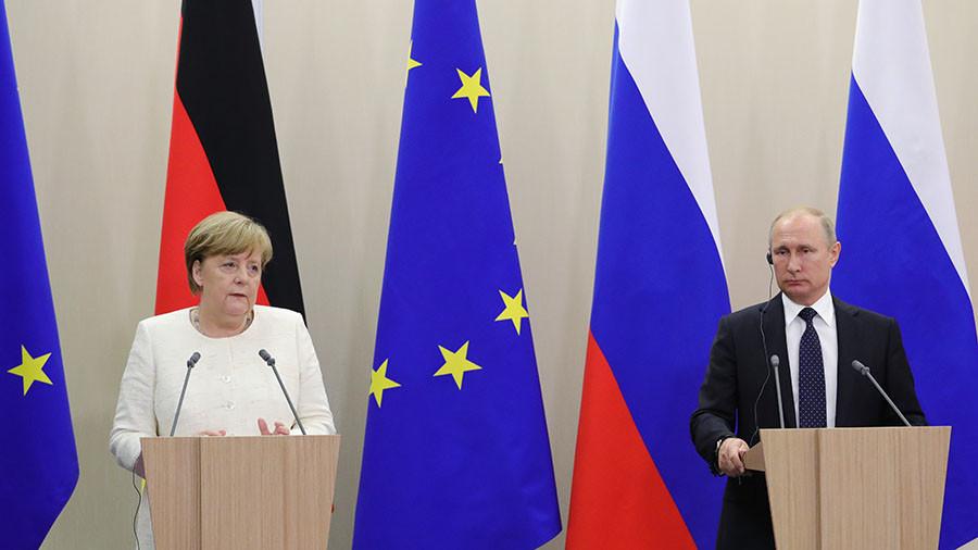 Merkel & Putin speak to press after meeting in Sochi (VIDEO)
